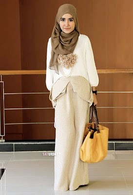 Fashion Hijab Dan Softlens Ala Mygeolens